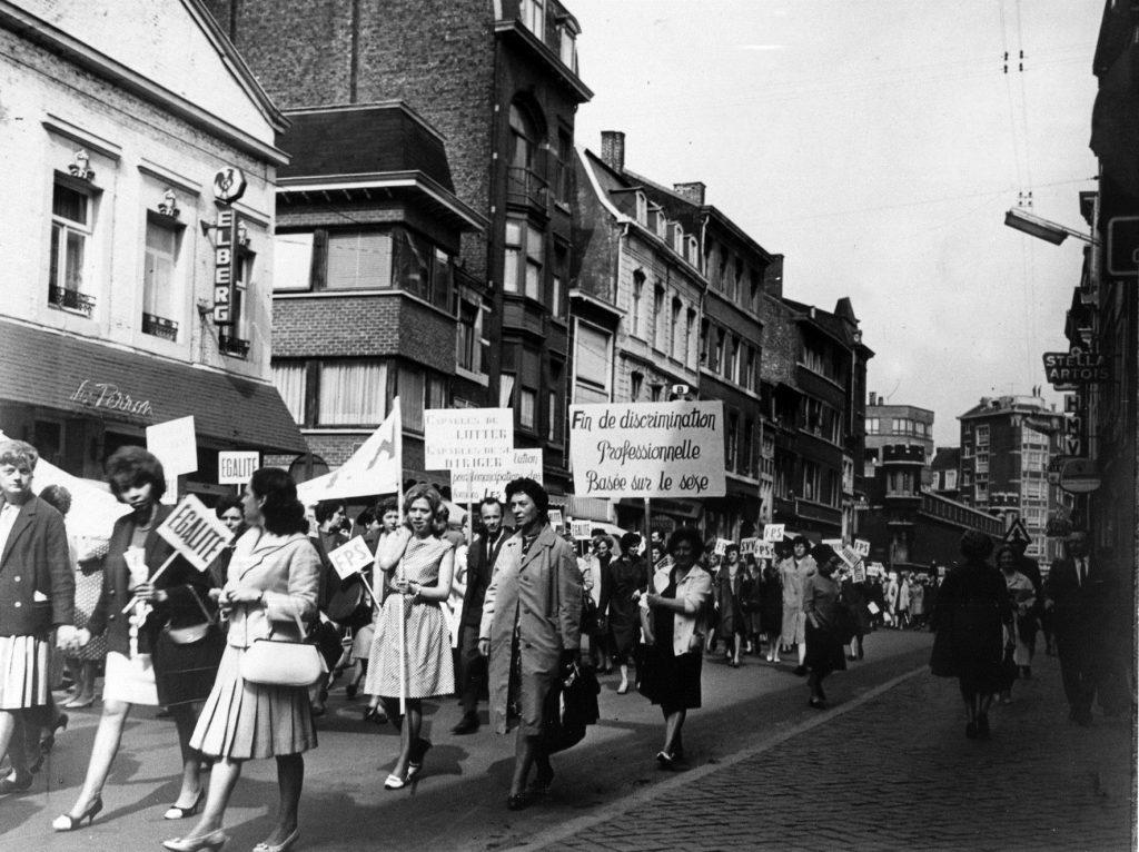 Manifestation à Liège le 25 avril 1966 dans les rues de Liège (CARHOP, fonds La Cité).